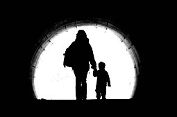 Woman-Child-Tunnel-Light-1147748